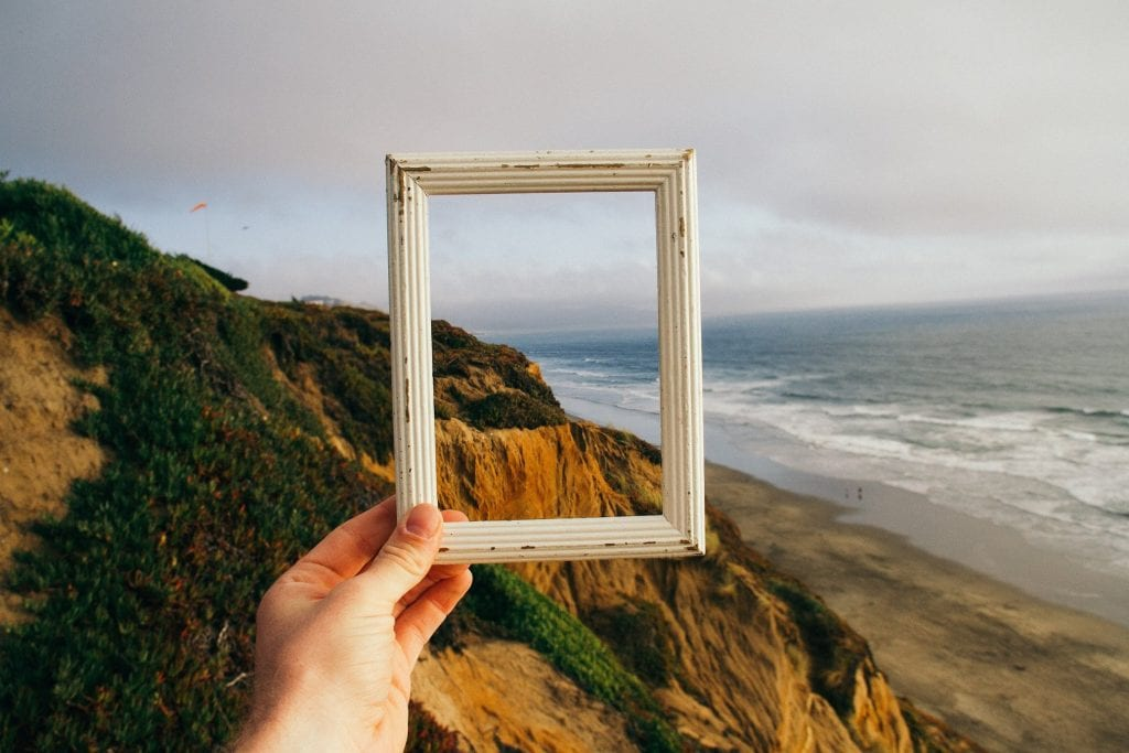 Picture frame with coast