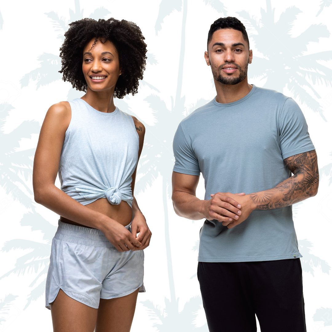 Man and woman wear training cloothes