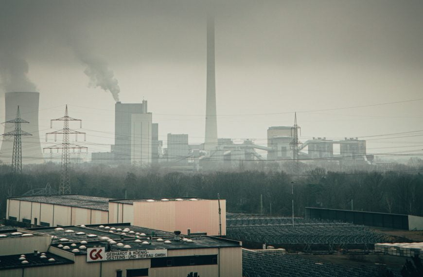 We Could Massively Slash Carbon Emissions By Improving Just 5% of Our Powerplants