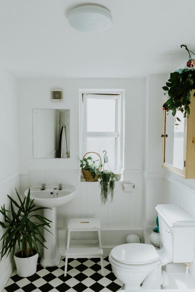 a beautiful zero waste bathroom