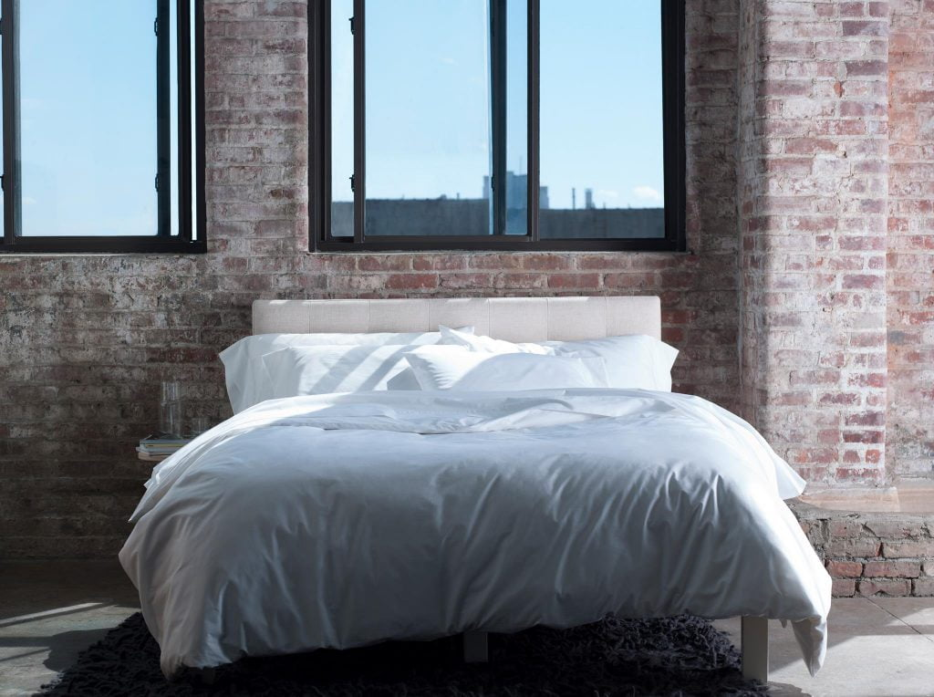 Brooklinen bedding in a New York loft appartment